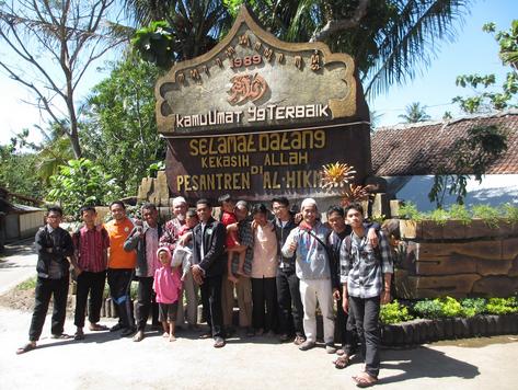 Menginap 2 Hari di Ponpes Al Hikmah, Mahasiswa Kembali ke Malaysia